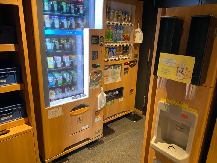 ドーミーインPREMIUM東京小伝馬町「大浴場」:自動販売機