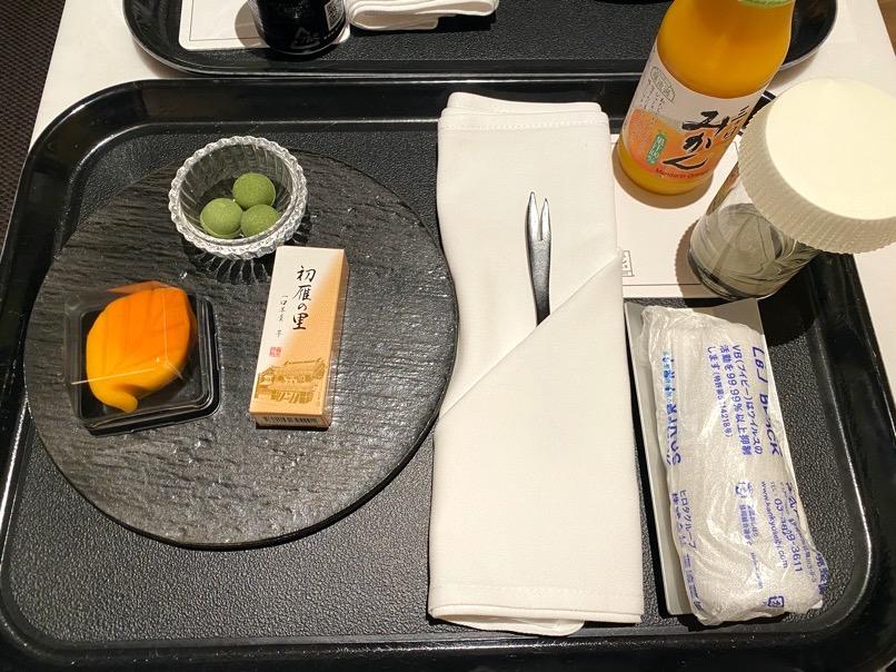 ACホテル東京銀座:「ドリンク&軽食(和菓子)」