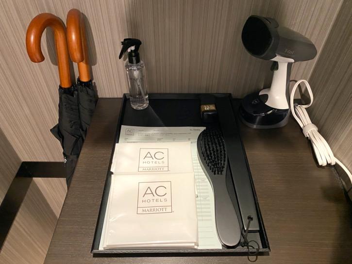 ACホテル東京銀座:客室(傘&ハンドドライヤー)
