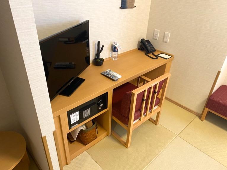 「御宿 野乃 浅草」の客室:テーブル