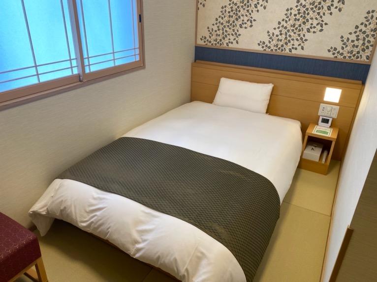 「御宿 野乃 浅草」の客室:ベッド
