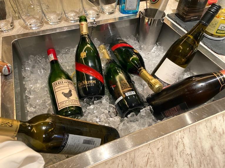 インターコンチネンタルクラブ「イブニングカクテル」:シャンパン&白ワイン