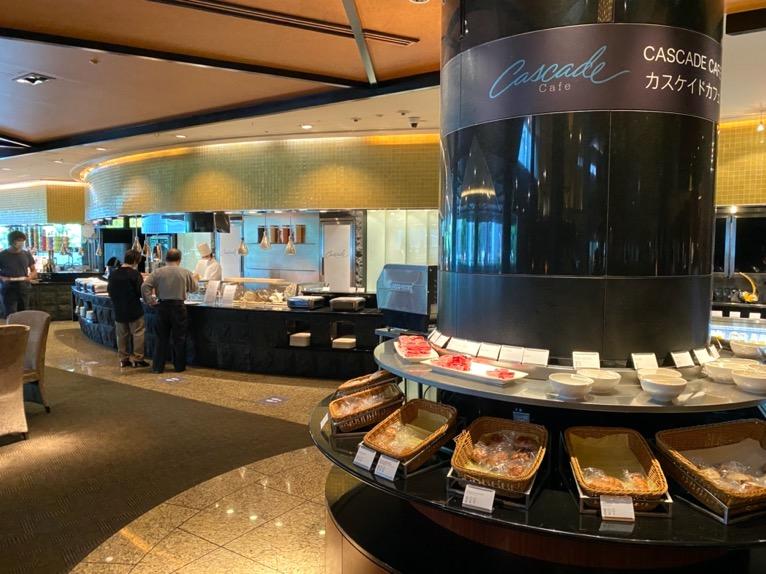 ANAインターコンチネンタルホテル東京「カスケイドカフェ」:ビュッフェテーブル