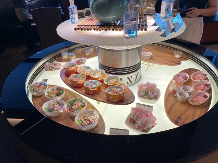 ANAインターコンチネンタルホテル東京「カスケイドカフェ」:冷菜(サラダ、チーズなど)