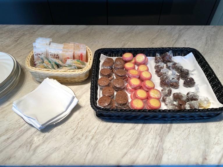 インターコンチネンタルクラブ「アフタヌーンティー」:お茶菓子