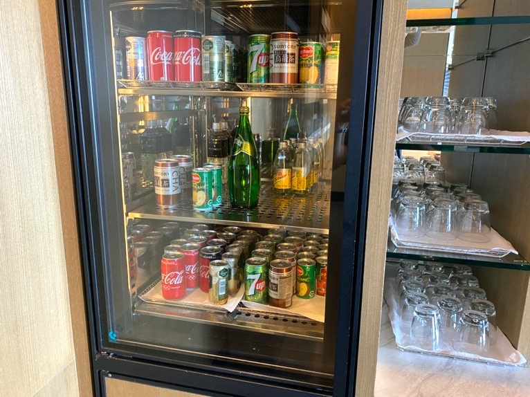 インターコンチネンタルクラブ「アフタヌーンティー」:冷蔵庫