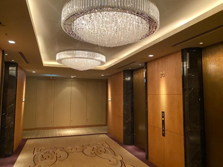 シャングリ・ラ ホテル東京「客室フロア」エレベーターホール