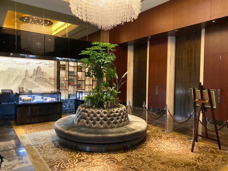 シャングリ・ラ ホテル東京「エントランスホール」