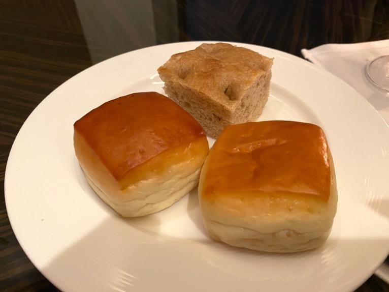 ホライゾンクラブ「カクテルタイム」:フード(パン)