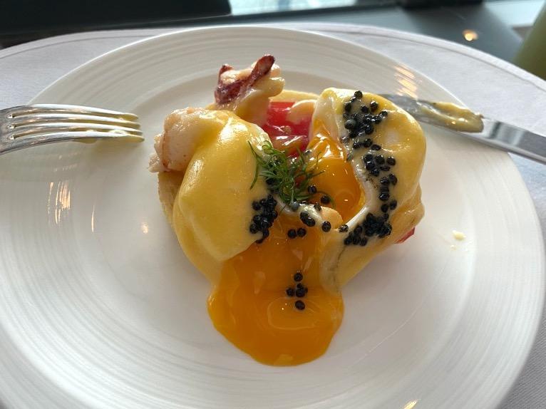 シャングリ・ラ ホテル東京「クラブラウンジの朝食」:エッグベネディクト2)