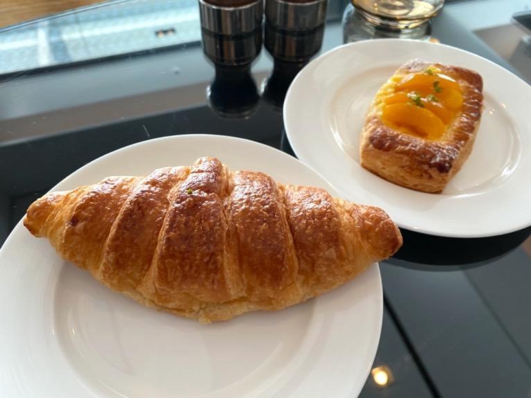 シャングリ・ラ ホテル東京「クラブラウンジの朝食」:パン