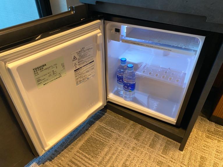 「モデレート」の客室:冷蔵庫