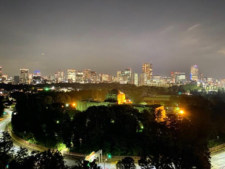 三井ガーデンホテル神宮外苑の杜プレミア「屋上テラス」:夜景2