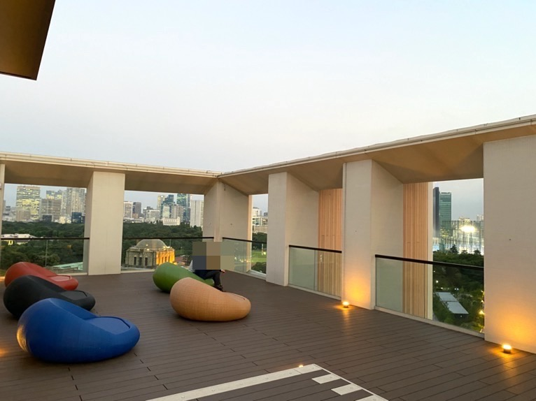 三井ガーデンホテル神宮外苑の杜プレミア「屋上テラス」:全体像