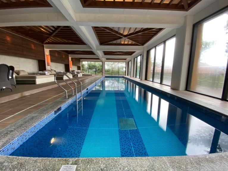 ザ・リッツ・カールトン沖縄「屋内プール」:プール