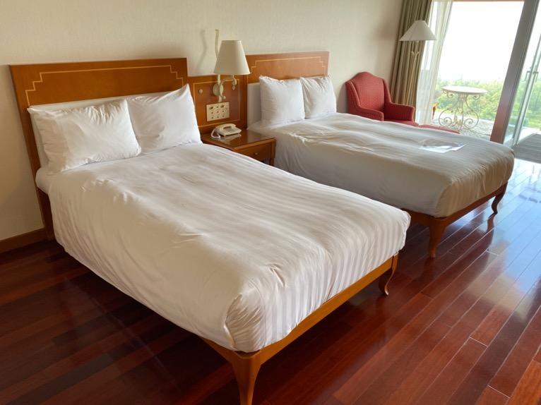 オキナワ マリオット リゾート&スパ「客室」:ベッド
