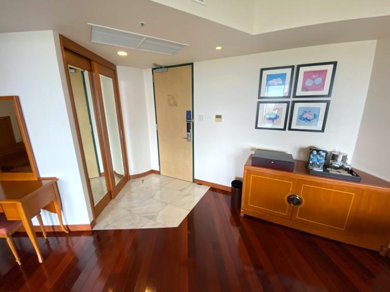 オキナワ マリオット リゾート&スパ「客室」:ホワイエ