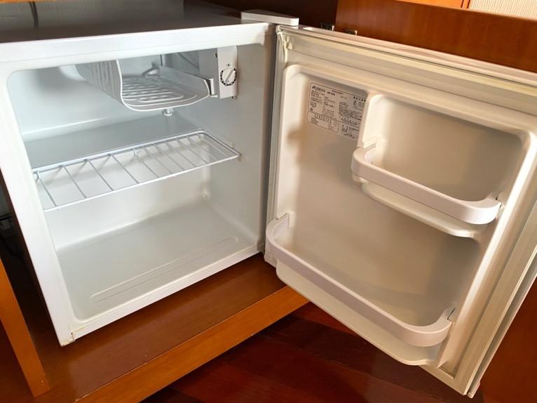 オキナワ マリオット リゾート&スパ「客室」:冷蔵庫