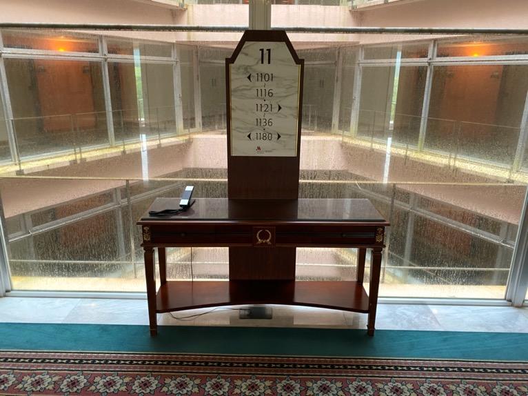 オキナワ マリオット リゾート&スパ「チェックイン」:エレベーターホール