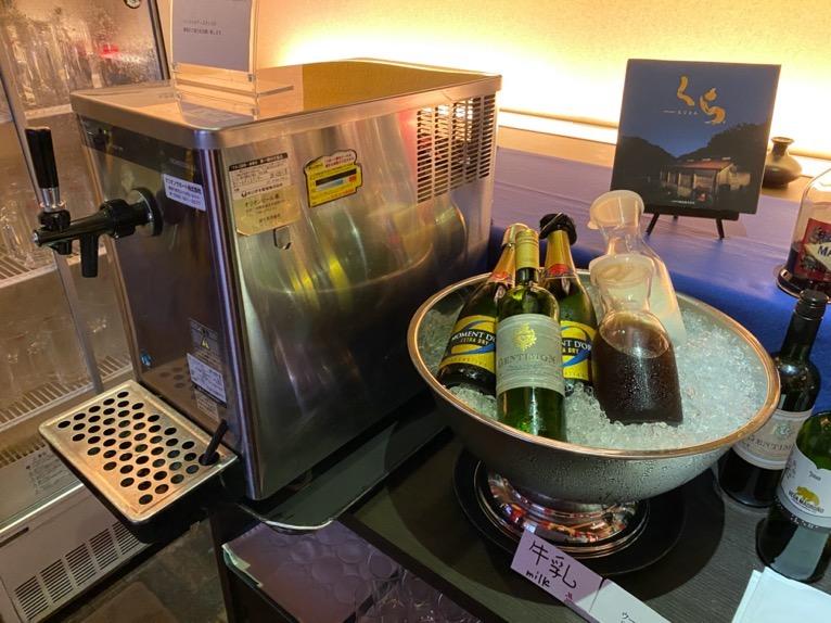 オキナワ マリオット リゾート&スパのエグゼクティブラウンジ:ビール&ワイン