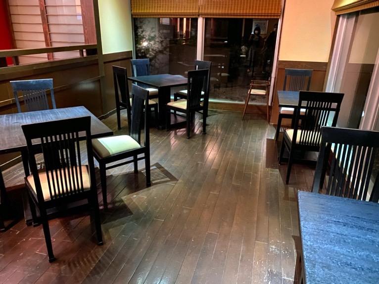 オキナワ マリオット リゾート&スパのエグゼクティブラウンジ:テーブル