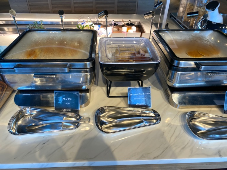 オキナワ マリオット リゾート&スパの朝食「クワッチー」:ワッフル、パンケーキ
