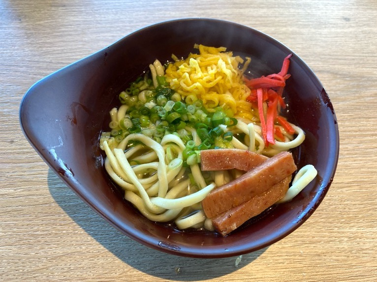 オキナワ マリオット リゾート&スパの朝食「クワッチー」:沖縄そば