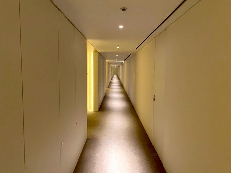 東京エディション虎ノ門「内観」:内廊下