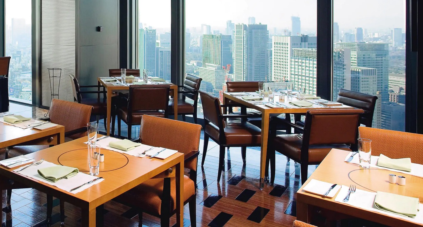 マンダリンオリエンタル東京の朝食:レストラン「ケシキ」の内観