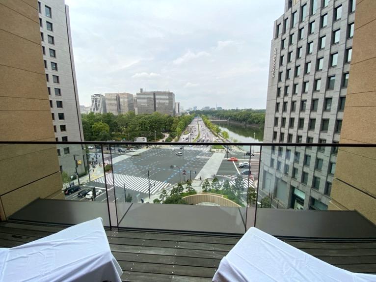 ザ・ペニンシュラ東京のプールとジム、サウナ:テラス席
