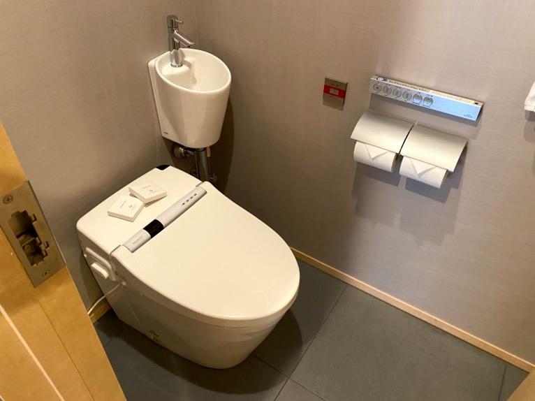 ザ・キャピトルホテル東急「客室」:トイレ2