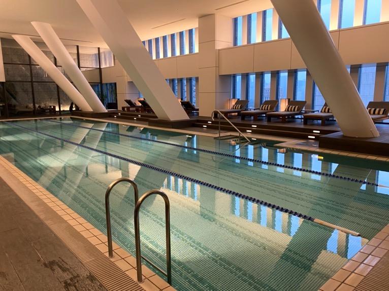 ザ・キャピトルホテル東急のプールとサウナ、ジムをブログレポート!眺望抜群で充実のフィットネス施設!
