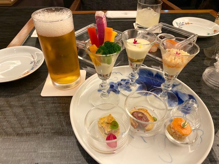 ザ・キャピトルホテル東急「クラブラウンジ」:実食(カクテルタイム)1