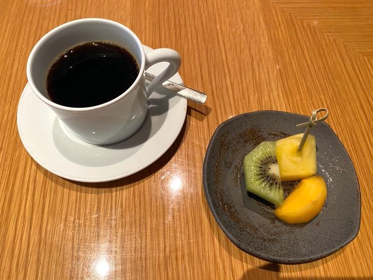 ザ・キャピトルホテル東急の朝食「和食」:コーヒー、水菓子