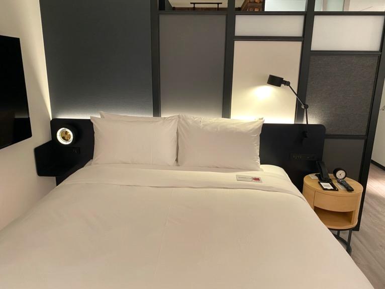 アロフト東京銀座「客室」:ベッド