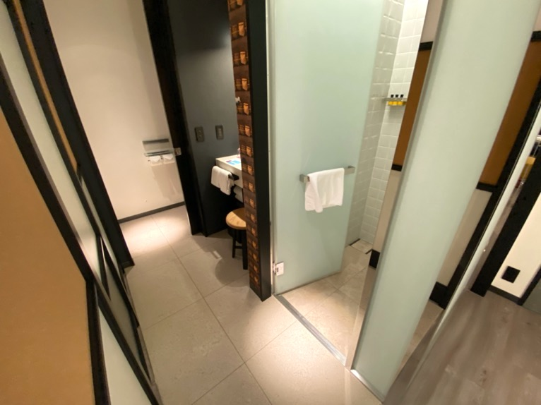 アロフト東京銀座「客室」:バスルーム