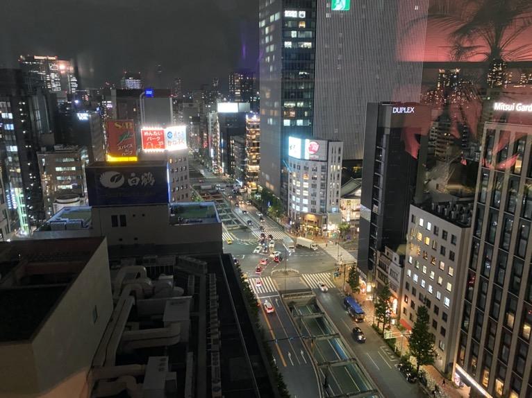 アロフト東京銀座「Roof Dogs」:夜景
