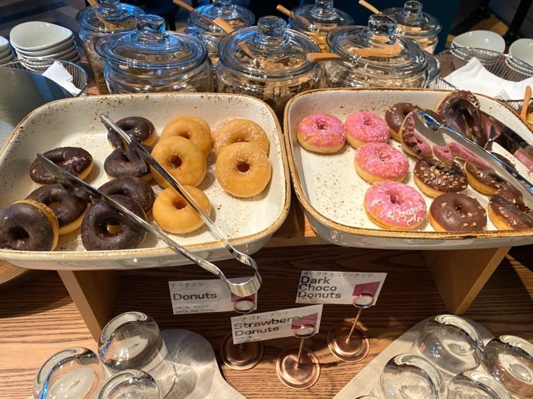 アロフト東京銀座の朝食「ビュッフェ」:ドーナツ