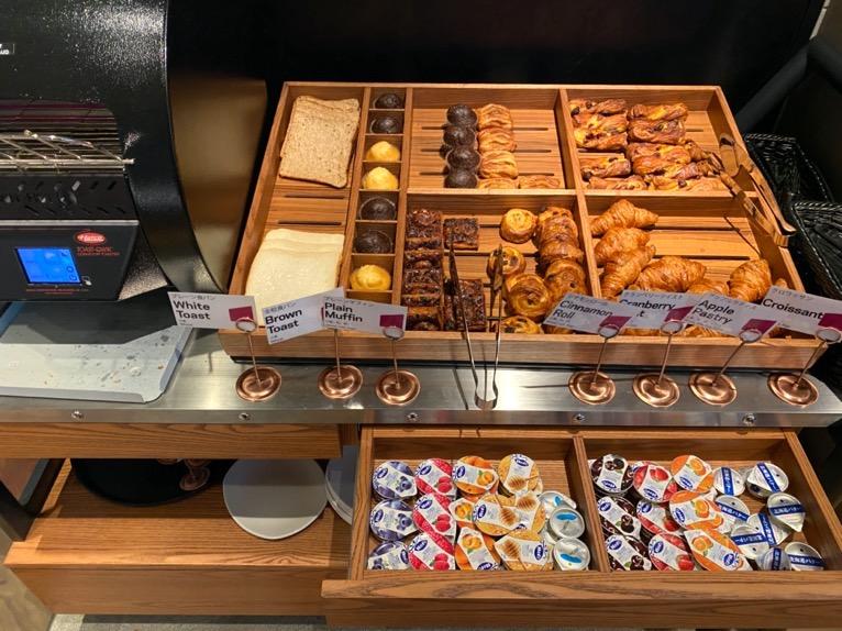 アロフト東京銀座の朝食「ビュッフェ」:パン