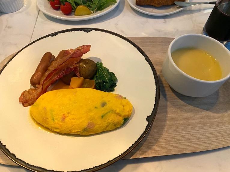 アロフト東京銀座の朝食「いただいたもの」:卵料理&スープ