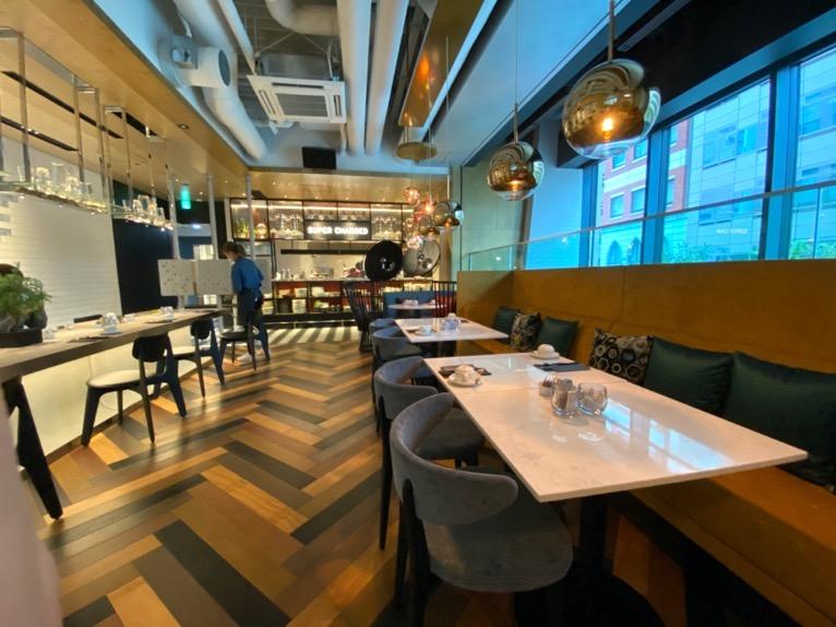 アロフト東京銀座の朝食「全体像と雰囲気」:内観