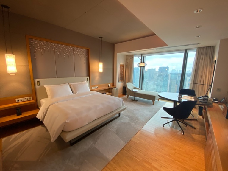 マンダリンオリエンタル東京「客室」:寝室(全体像1)