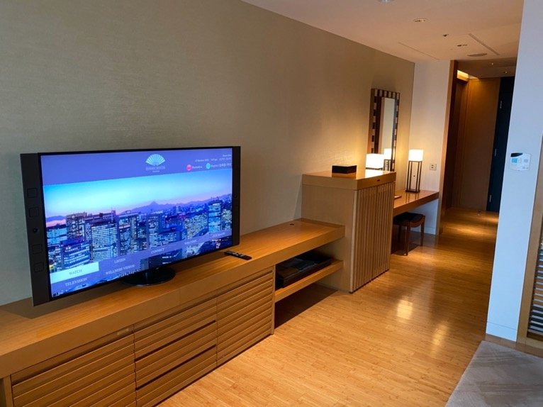 マンダリンオリエンタル東京「客室」:TVボード