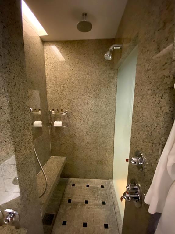 マンダリンオリエンタル東京「客室」:シャワー