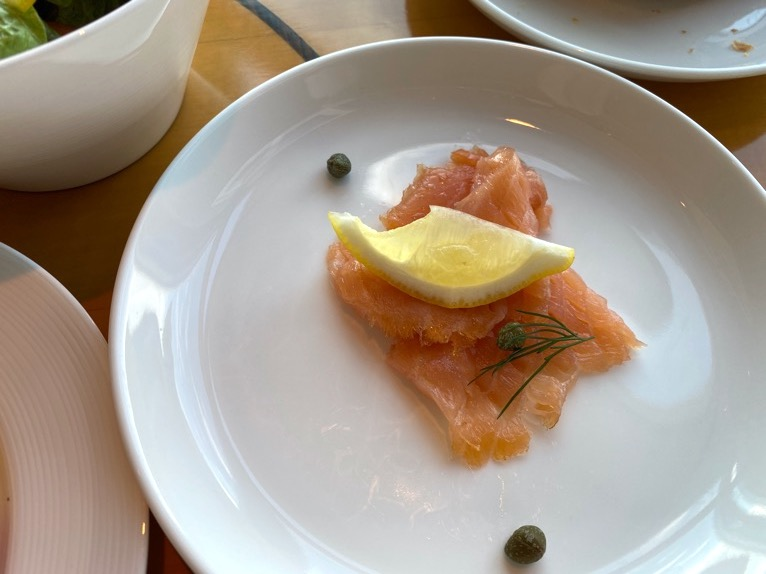 マンダリンオリエンタル東京の朝食:サーモンマリネ