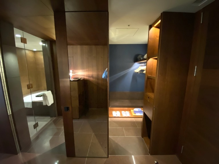 アンダーズ東京「客室」:クローゼット2