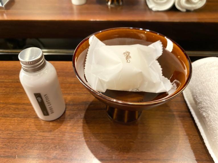 アンダーズ東京「客室」:石鹸、乳液