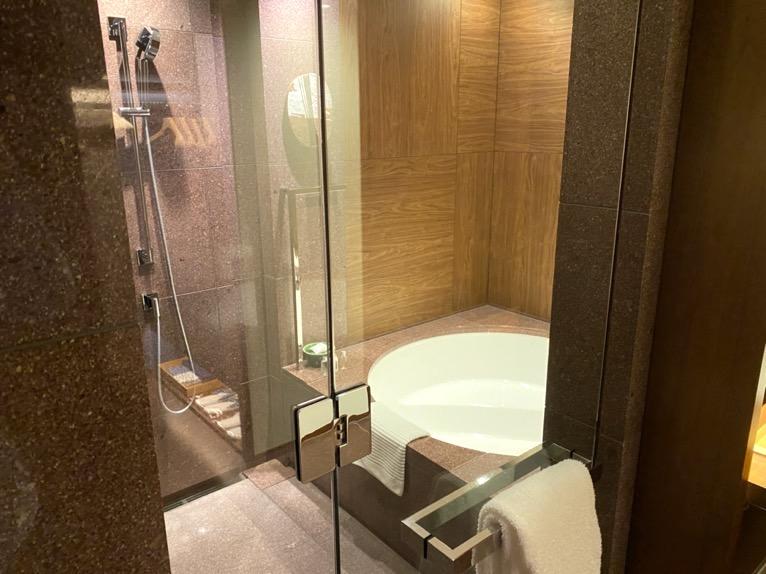 アンダーズ東京「客室」:バスルーム