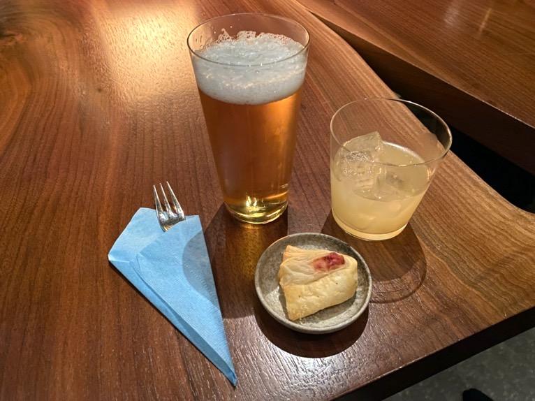アンダーズ東京「宿泊者専用ラウンジ」:ドリンク&フード1(イブニングタイム)