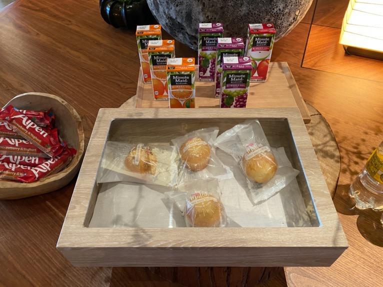 アンダーズ東京「宿泊者専用ラウンジ」:ビュッフェテーブル(朝食)